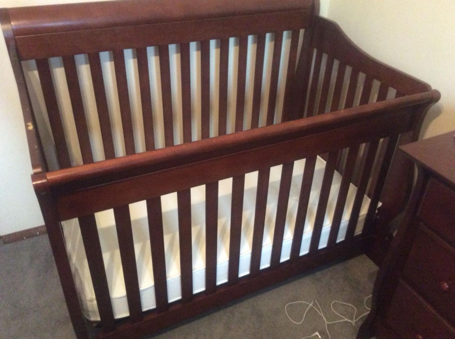Find More Shermag Preston Convertible Crib With Mattress And