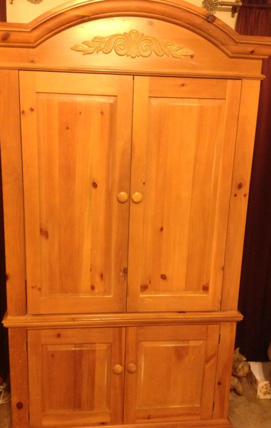 Best Gorgeous Broyhill Fontana Distressed Solid Pine Armoire Tv Entertainment Center In Excellent Condition For Sale Katy Texas 2021