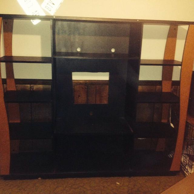 Entertainment Center 20 6ft W 5 Ft 2 In Tall