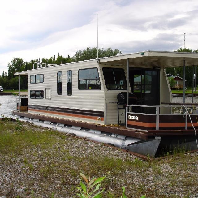 37 Foot Sundance Pontoon Houseboat
