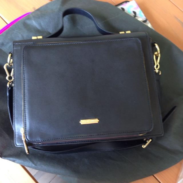 Vince Camuto Purse With Ipad Compartment