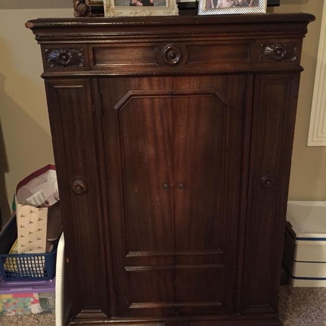 Beautiful, antique Victrola Cabinet - - Find More Beautiful, Antique Victrola Cabinet - For Sale At Up To 90