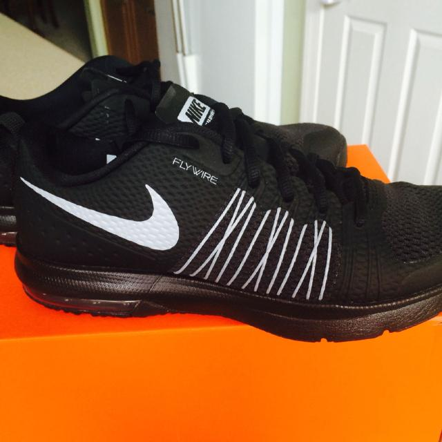 huge selection of 63f48 1ffad Best Nike Air Max Effort Trainer. Men Size 8 Worn Once. Xposted for sale in  Gilbert, Arizona for 2019