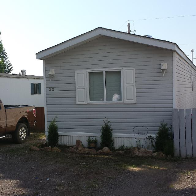 2 Bedroom Bathroom Trailer In Hudson Bay Park Completely Renovated This Year