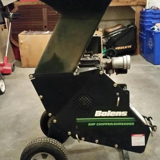 Bolens 5 Hp Wood Chipper Shredder Gas Run Great Condition For An Old