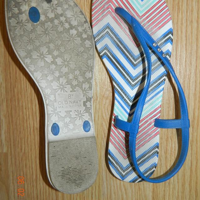 cce12747f Find more Old Navy Flip Flop With Back Strap...rubber...euc... for ...