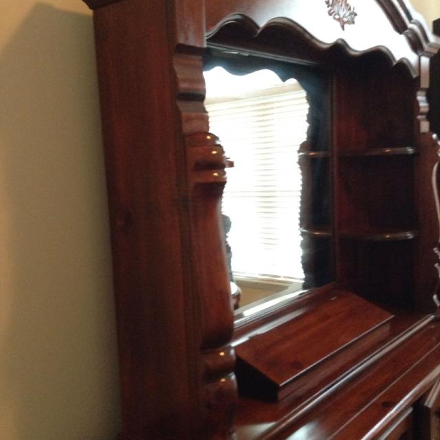 High Quality Solid Wood Cherry Dresser W Lighted Mirror Hutch And Armoir