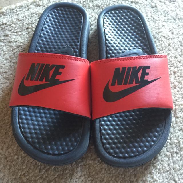 big sale 89925 9624e Boys Nike sandals size 4 brand new!!!!