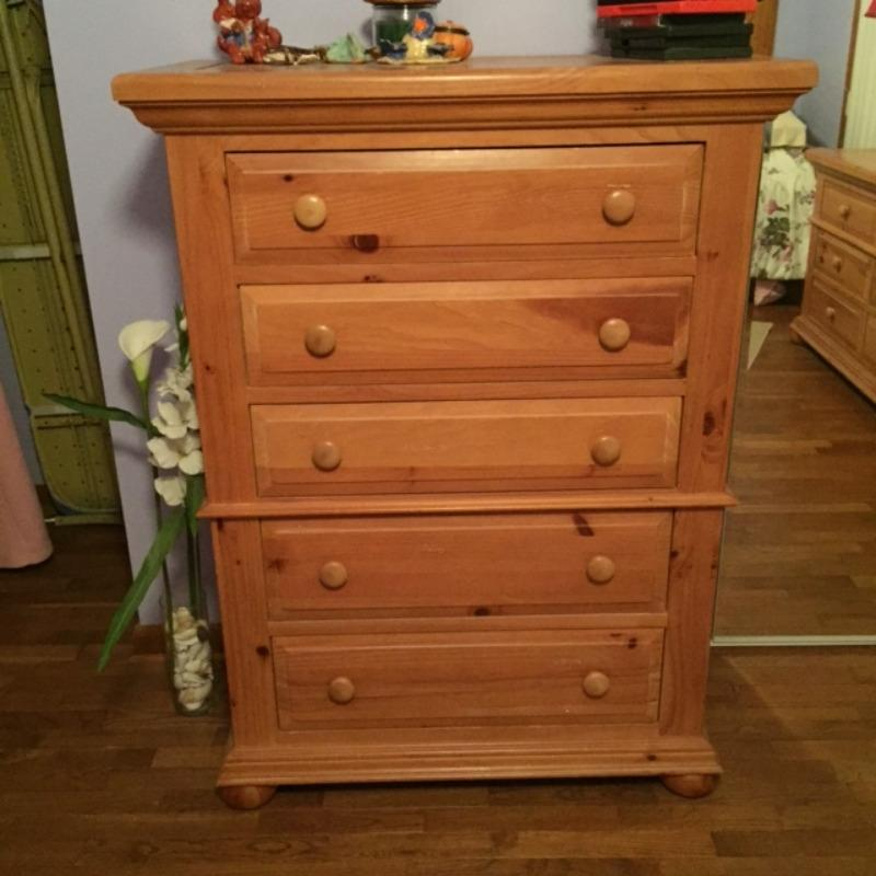 Find more Broyhill Fontana Chest Of Drawers for sale at up ...
