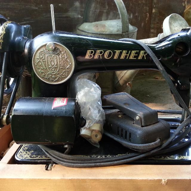 Best Vintage 4040 Brother Sewing Machine In Case For Sale In Simple 1950 Brother Sewing Machine