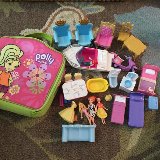 Polly Pocket Bag And Pieces Boat Scooter Beds Tables Bathroom Set