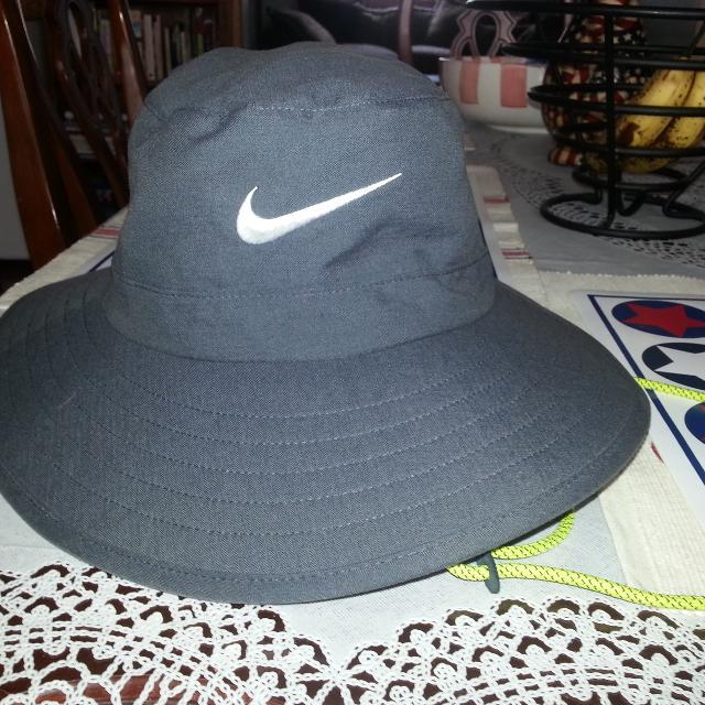 Find more New Nike Men s Sun Bucket Golf Hat  585910 Wide Brim ... a0ea86b155a