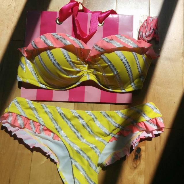 cadb5225cf0af Find more Bnwot Vs Victoria s Secret Yellow Striped Bikini. Price ...