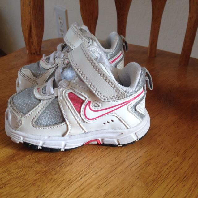 Find more Baby Girl Pink And White Nike Tennis Shoes Size 3. Super ...