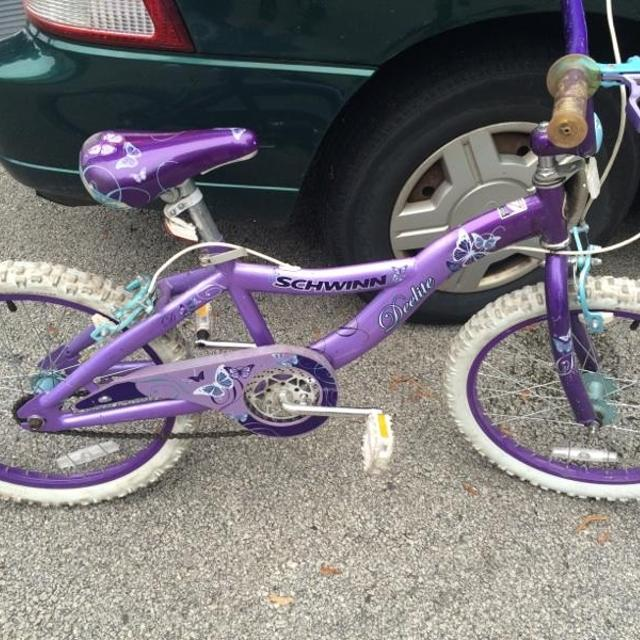 a0e2c01be93 Find more Schwinn Deelite Little Girls Bike. for sale at up to 90% off