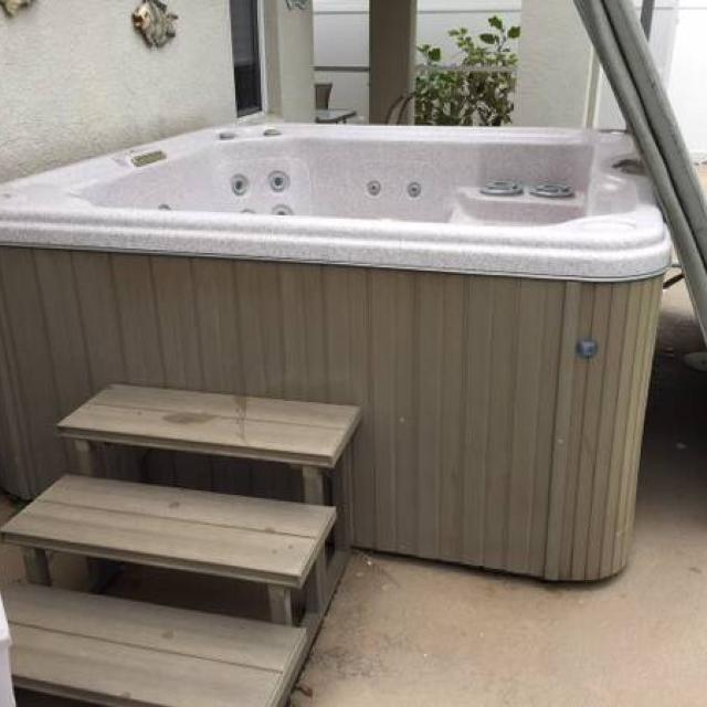 Best Beautiful Cal Spa Hot Tub 7 Person Riverview Fl for sale in ...