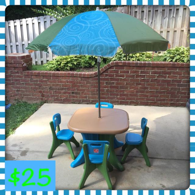 Step 2 Deluxe Play And Shade Kids Patio Set