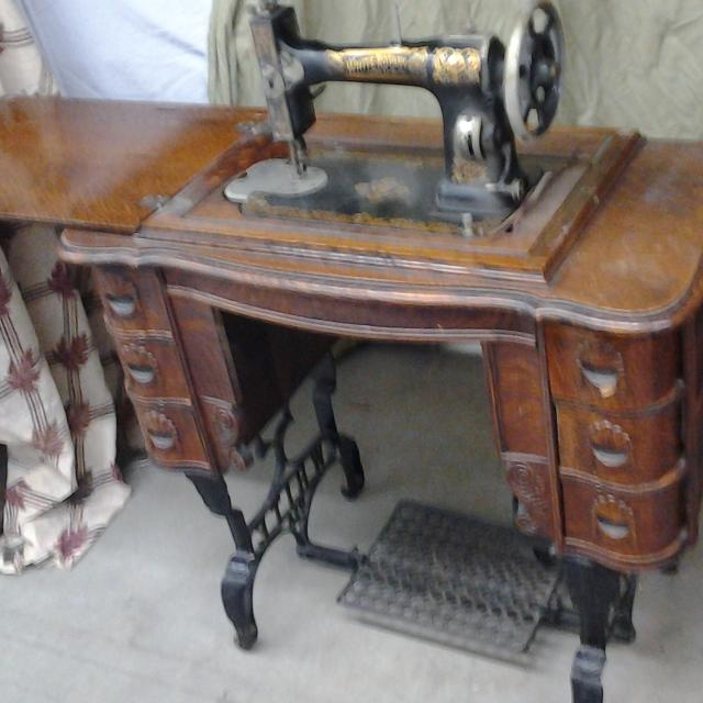 Best Antique White Treadle Sewing Machine Works Beautiful Addition Fascinating Pedal Sewing Machine For Sale
