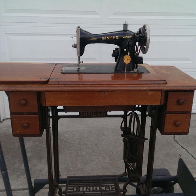 Best Antique Singer Sewing Machine In Working Condition For Sale In Extraordinary Vintage Singer Sewing Machine For Sale