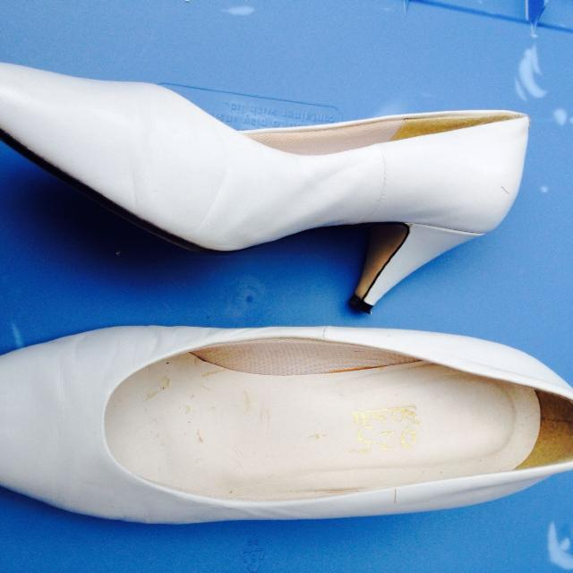 03aac8d5abf6b Best Ladies White Pumps