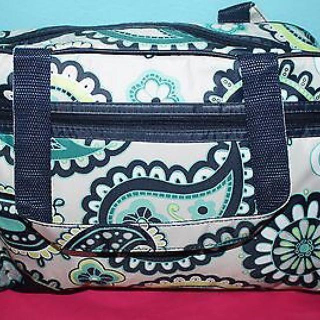 ca490df59636 Find more New Thirty One Handle It Cosmetic Bag In Paisley Day for ...