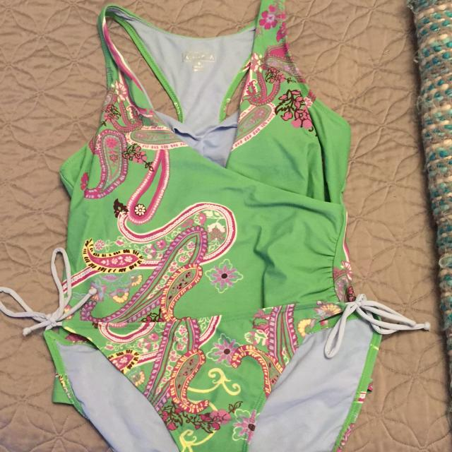 9fd84bf5596 Find more Athleta Tankini Top Medium Bottoms Large for sale at up to ...
