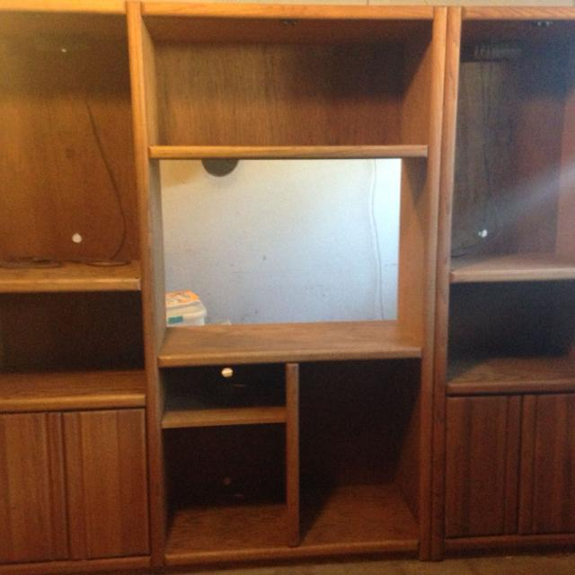 Entertainment Center 7x16 5 Ft 6 Tall Great Condition Comes With Gl Doors