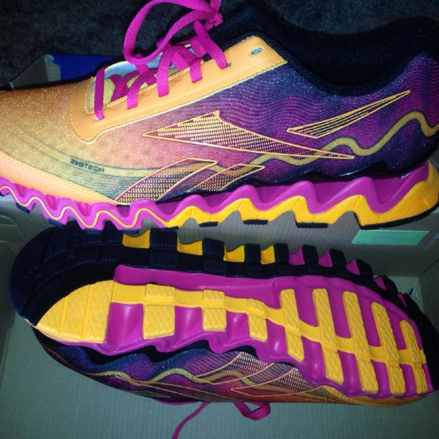 Best Women s Reebok Zig Tech Shoes. Brand-new In Box. Hard To Find Size 12.   50. for sale in Marion a151becd9