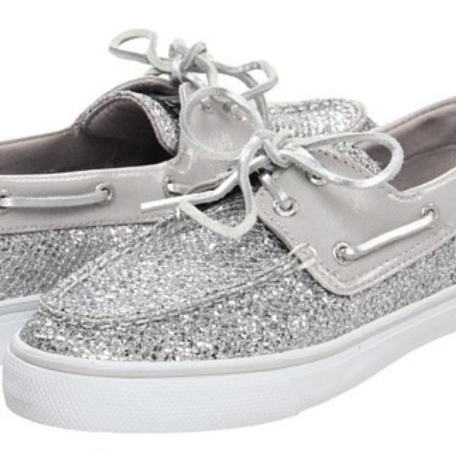 e2418da35 Find more Nwt Sperry Women s Silver Glitter Boat Shoes - Sz 9 for ...