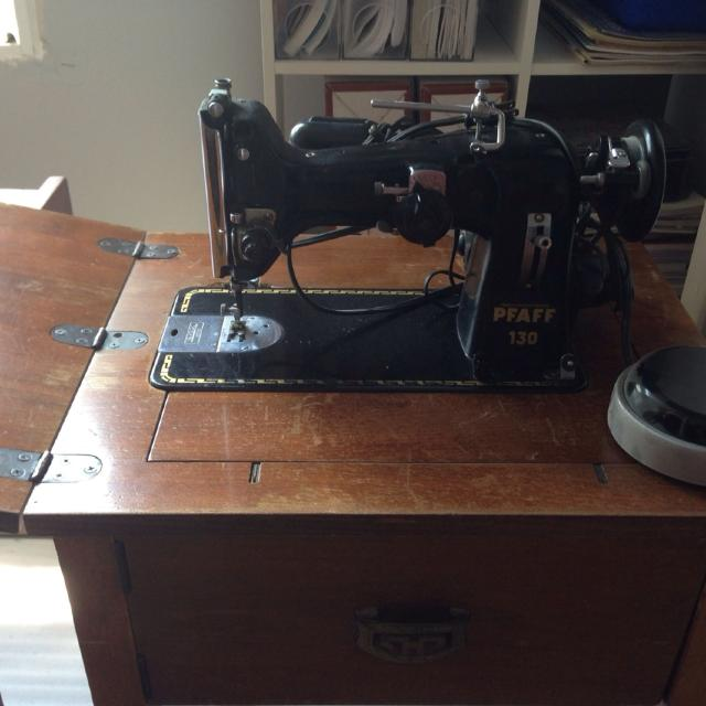 Best Antique Decorative Table Pfaff 40 Sewing Machine Cracking Unique Pfaff 130 6 Sewing Machine Value