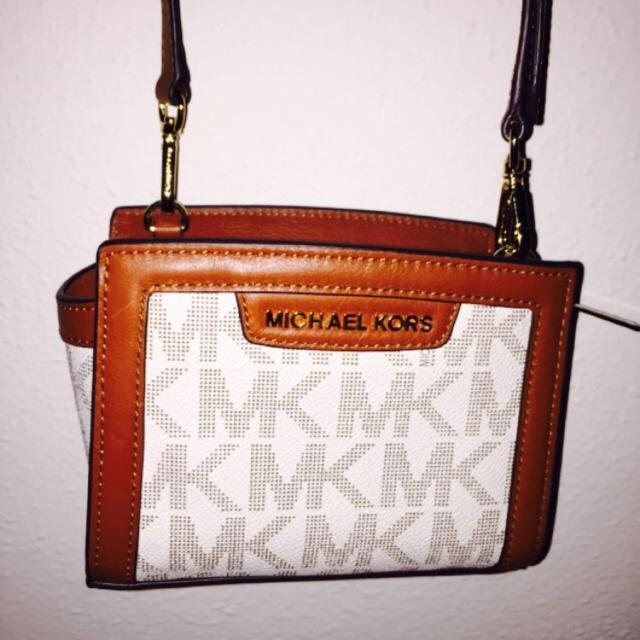 533739a8cbdc Find more Michael Kors Side Bag, With Long Strap for sale at up to ...
