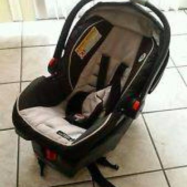 Graco 5 Piece Set Car Seat Swing 2 Bases And Stroller