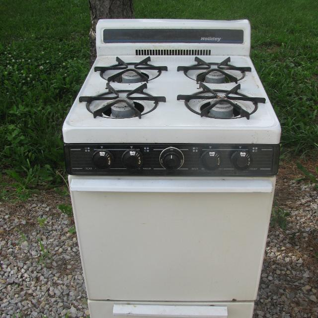 Find more Apartment Size Gas Stove In Working Order $75 for sale ...