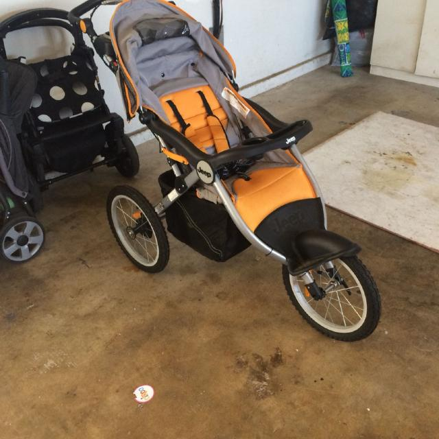 find more euc jeep jogging stroller w/ibaby speakers. for sale at up