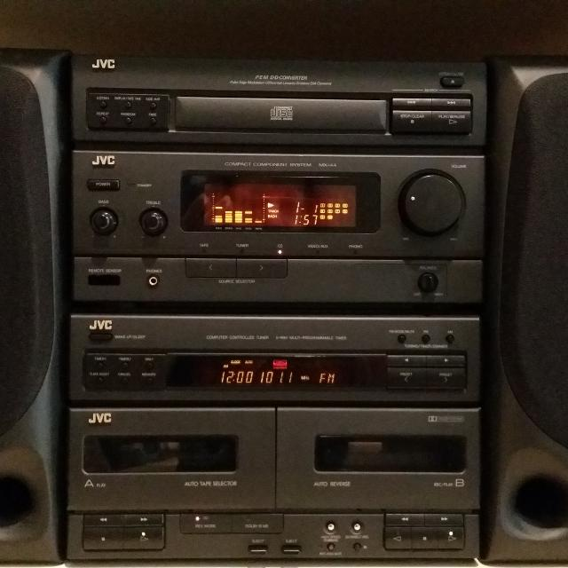 JVC Bookshelf Stereo System Excellent Condition