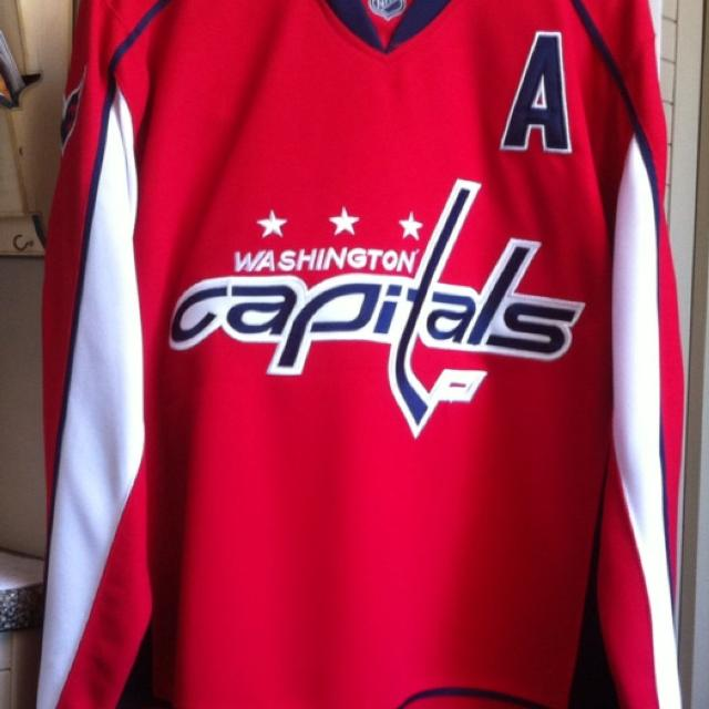 outlet store 37a7e 4101a Ovechkin Washington Capitals Jersey Collectible item
