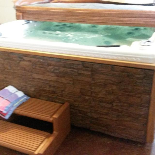 Beautiful Royal Spa Hot Tub