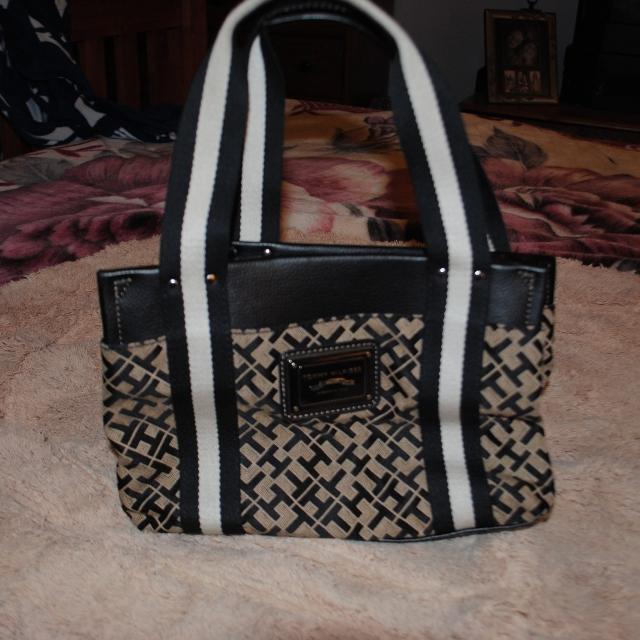 5 Tommy Hilfiger Purse From Ross