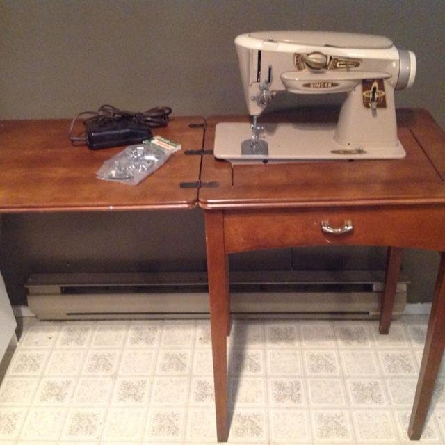 Find More 40 Sewing Table With Singer Sewing Machine The Sewing Impressive Singer Sewing Machine 1960