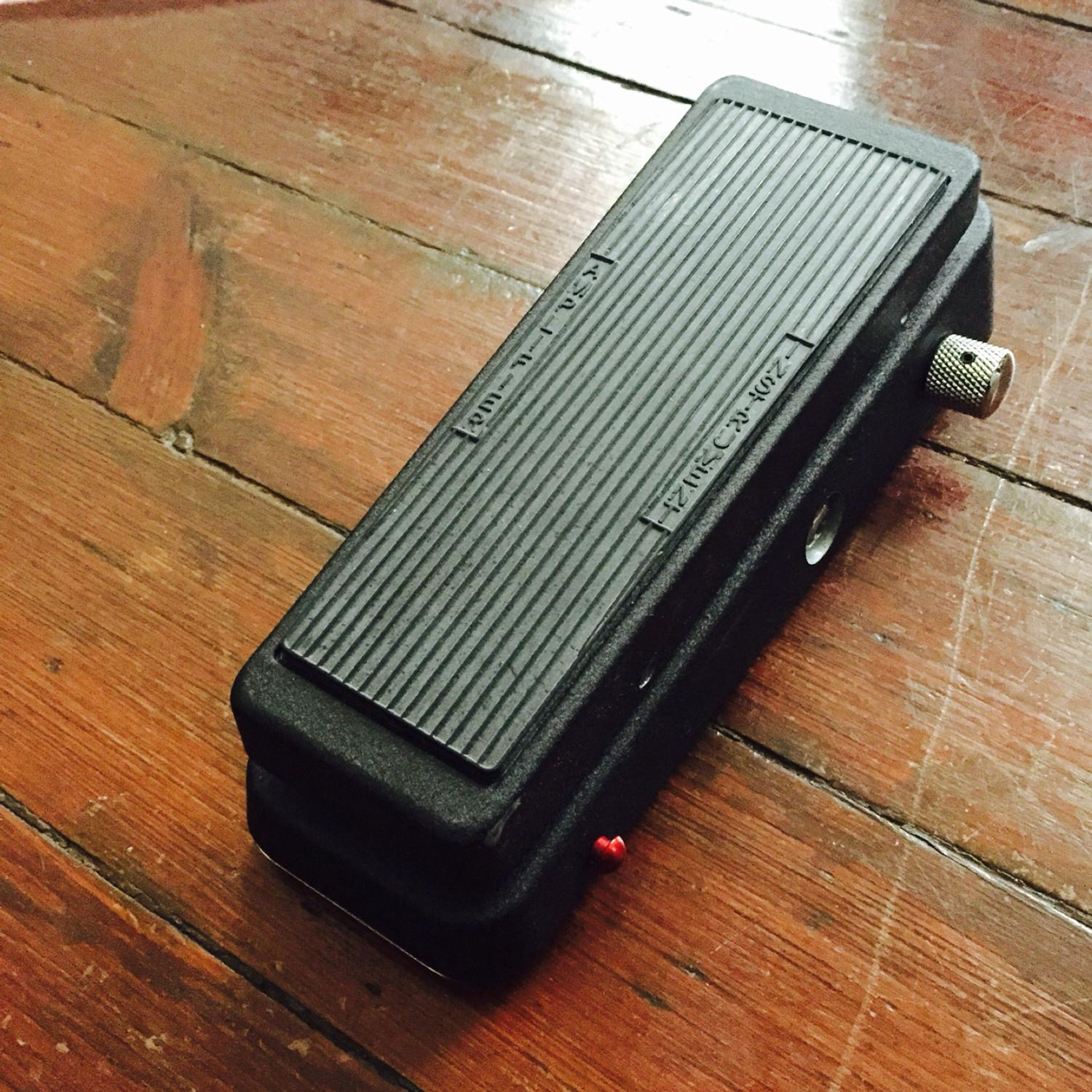 LIGHTLY USED Dunlop Cry Baby 535Q Wah