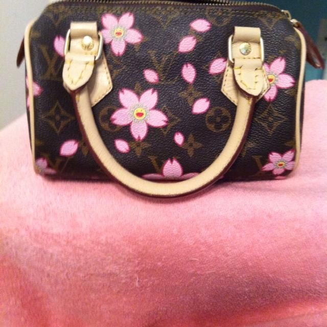 f8fed7d6949e Find more Reduced Small Genuine Louis Vuitton Handbag With Pink ...