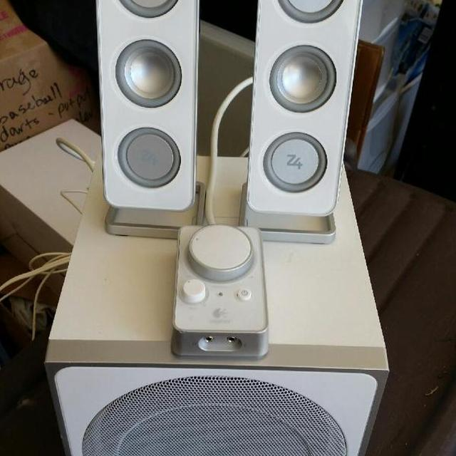9f9c509ba29 Find more Logitech Z4 2.1 Computer Speaker With Subs for sale at up ...