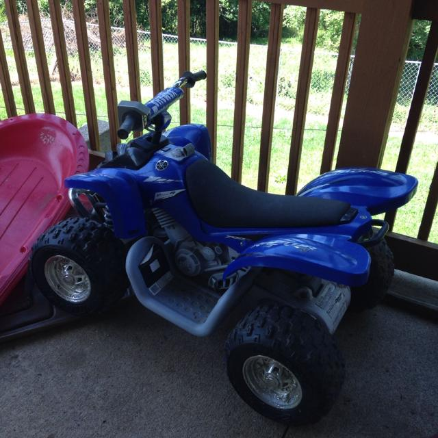 Power wheels 4 wheeler, needs battery, $50 OBO LOWERED TO $40!!