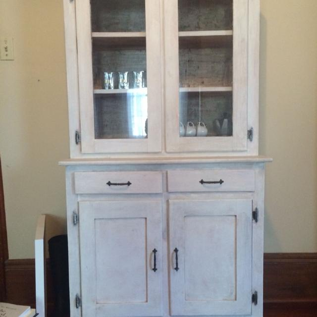 Best Vintage Dining Hutch Cabinet With