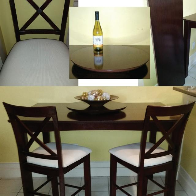 Hamilton Spill Diningroom Table Chairs