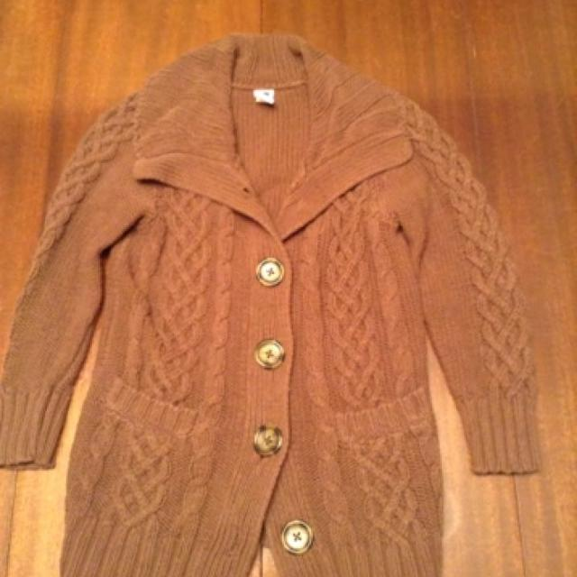 e95d408f2b2 Gap Kids Outlet Girls Button Down Cable Knit Sweater. Size Small.