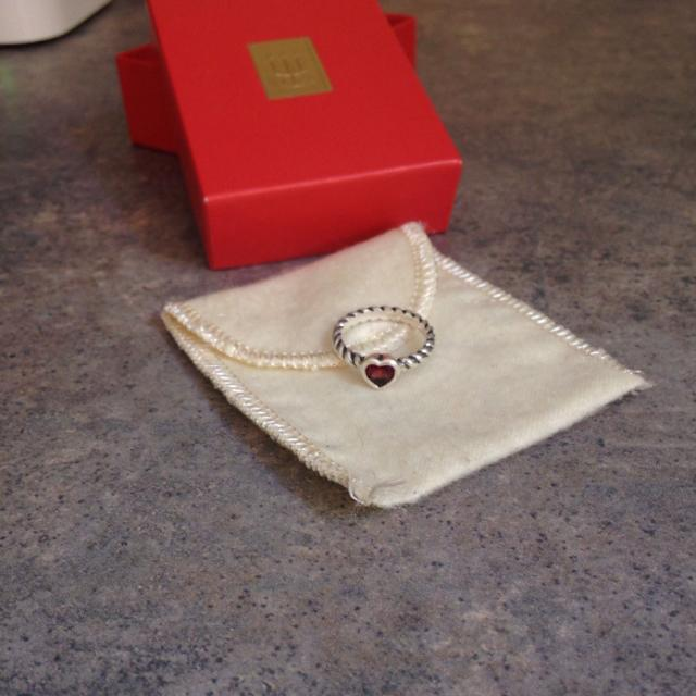 Find More James Avery Heart With Garnet Twisted Wire Ring Size 6 Reduced Price For Sale At Up To 90 Off