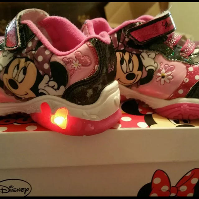 Find more Girls 9c Minnie Mouse Light Up Shoes for sale at up to 90% off d814c06332c