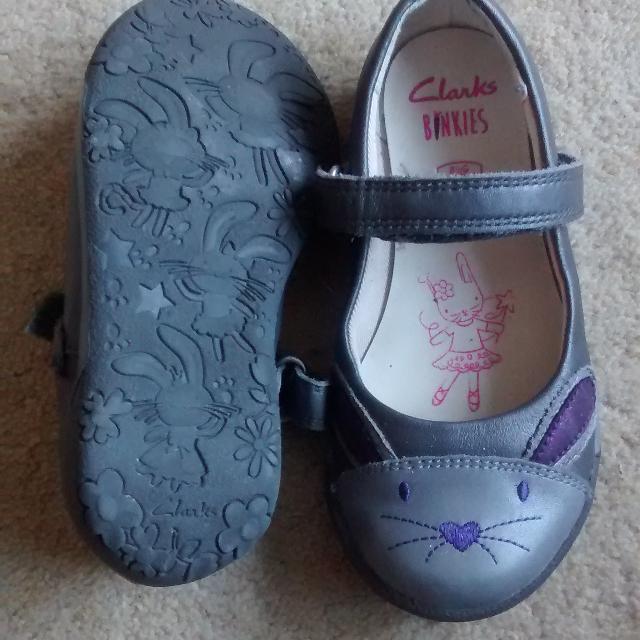 3e14286a0b1df Find more Girls Clarks Binkies Grey, Silver & Purple Bunny Design ...