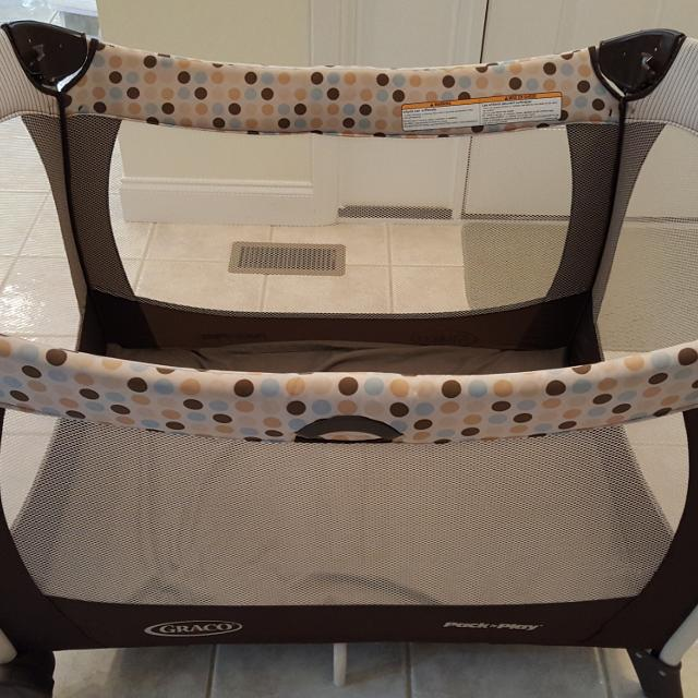 Graco Pack Play With Brown Tan And Baby Blue Dots